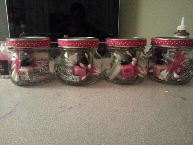 Make it Monday DIY Gifts: Tips and Toes in a Jar. Mini Mani/Pedi kits in a mason jar finished Product